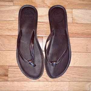 REEF DARK BROWN LEATHER THONG SANDALS SIZE 10